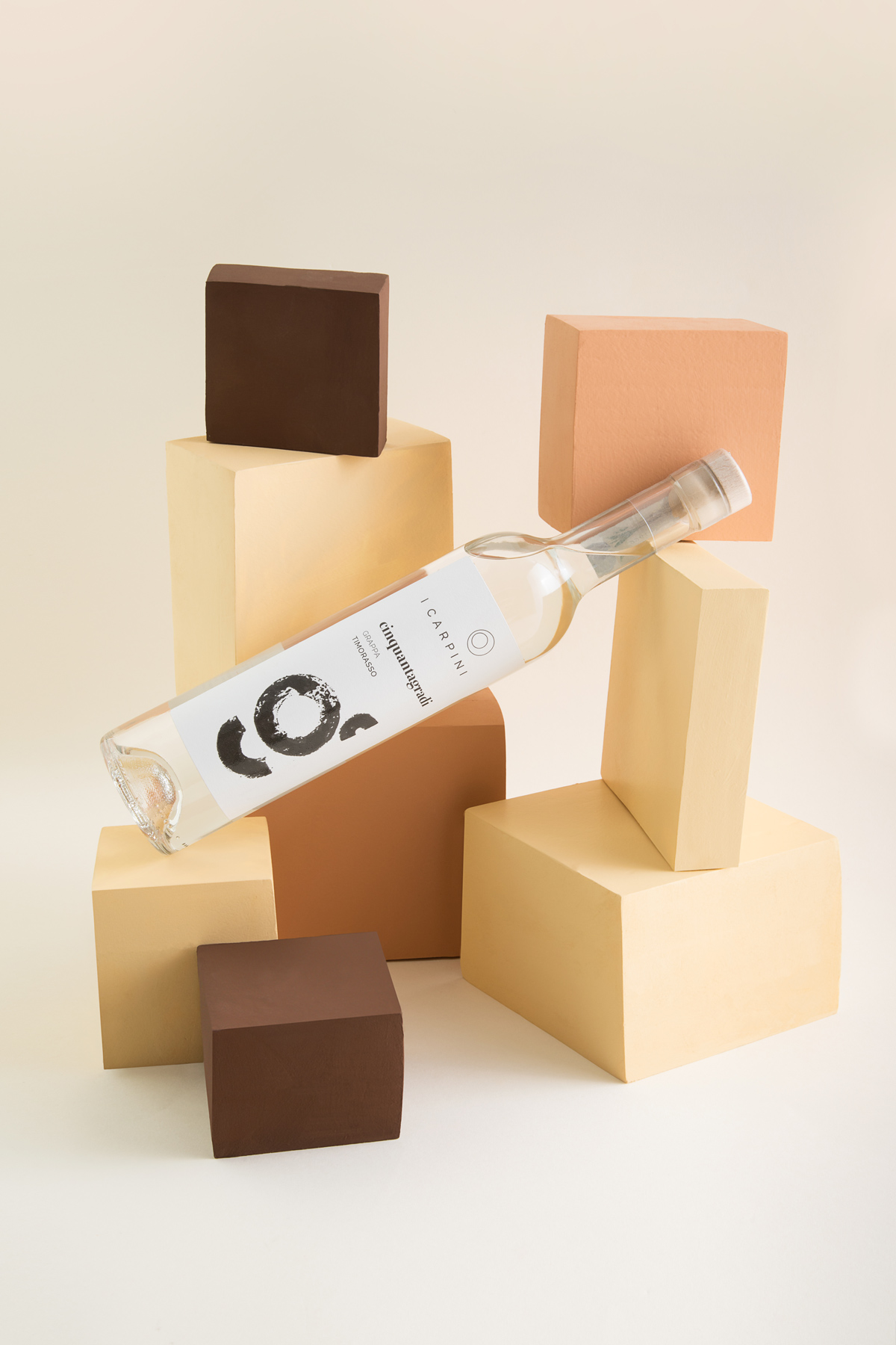 GRAPPA_i_carpini_wine_packaging_design_wine_design_drogheria_studio_bianco